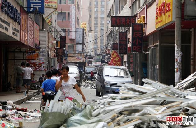 """这里有着多达15万人的活动人口,跟着郑州都会乡村和棚户区的改革减速,这个结尾的城中村成了很多郑漂一族结尾的""""高价房""""地点地。"""
