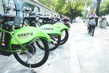 """不管是摩拜单车还是享骑出行,它们在车辆管理上都遇到了各式""""尴尬"""""""