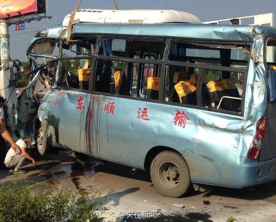 湖南醴陵一起交通事故致多人死伤