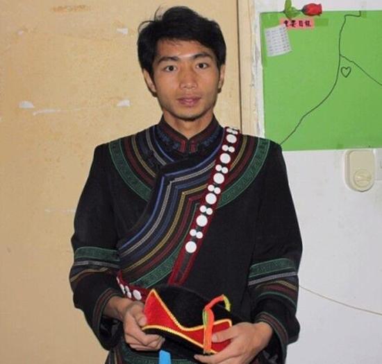 大学生村官蒋富安。