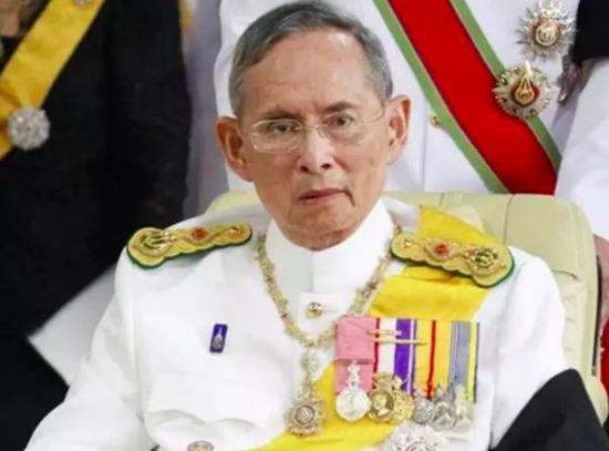 泰国国王普密蓬。