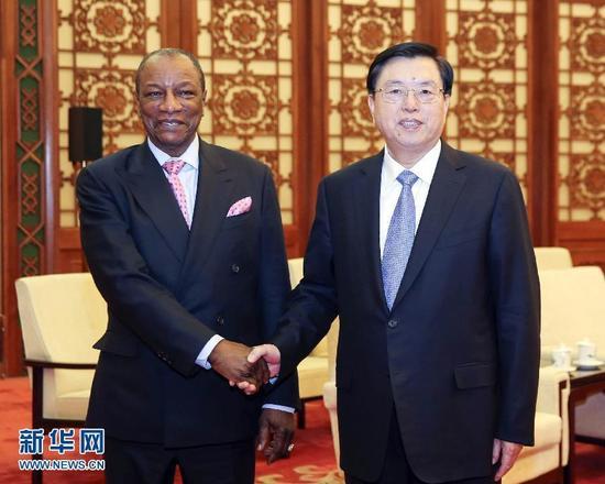 11月2日,全国人大常委会委员长张德江在北京人民大会堂会见几内亚总统孔戴。 新华社记者丁林摄