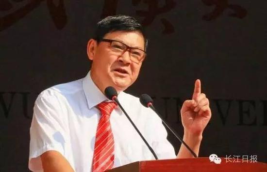 李晓红在武汉大学2016级重生开学仪式上发言