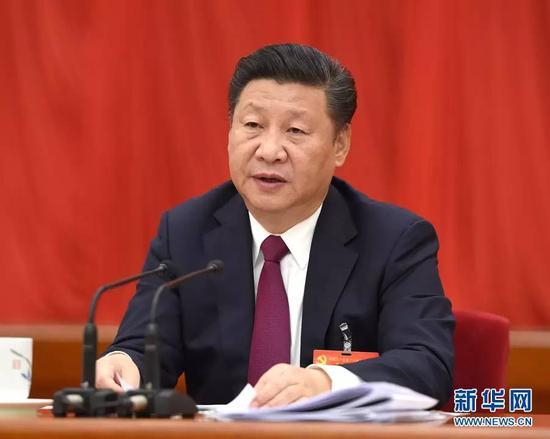 图为:中国共产党第十八届中央委员会第六次全体会议,于2016年10月24日至27日在北京举行。中央委员会总书记习近平作重要讲话。