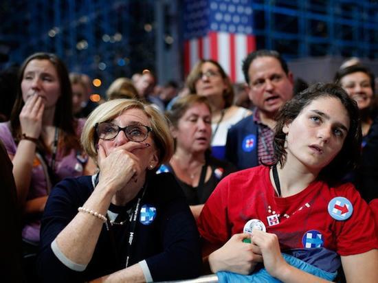 两个阵营的选民的表情
