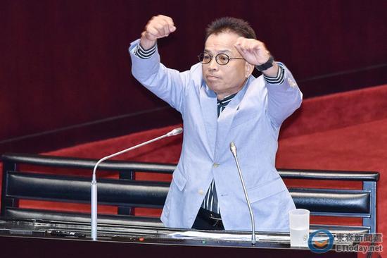 """国民党""""立委""""赖士葆。(图片来源:台湾""""东森新闻云"""")"""