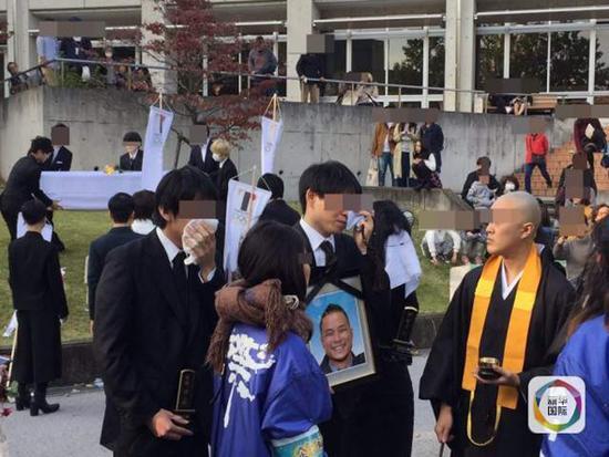 """东京奥运会会徽抄袭门设计师在母校""""被死亡"""" 文化 第2张"""