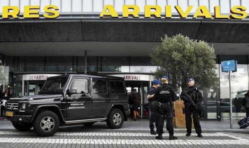 荷兰逮捕一名精神混乱男子 疑似虚报机场恐袭