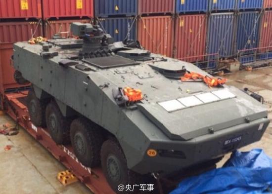 海关正调查装甲车出口地,货主的身份和报关内容,以及这些军用物品的最终目的地。
