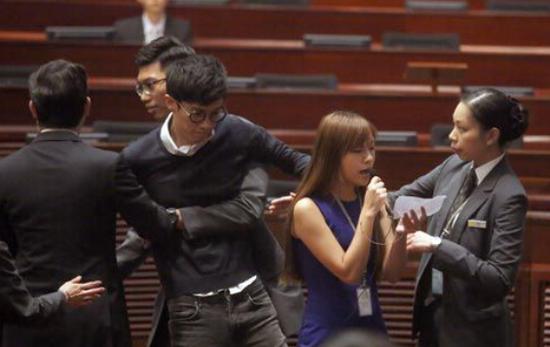 辱国议员被追讨186万港元薪津 称遭立法会打压