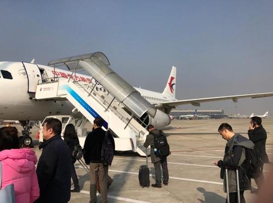 东航摆渡车再出状况 上海飞武汉乘客被错送航班