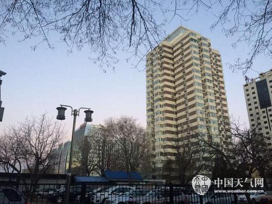 27日,北京霾消失,又见蓝天。