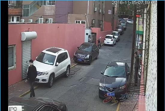 监控拍摄的犯罪嫌疑人画面