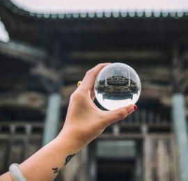 水晶球里的老建筑