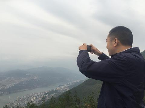 巴东县委书记陈行甲