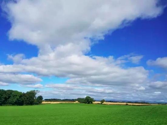 从湖区到英格兰中部的沿途田野
