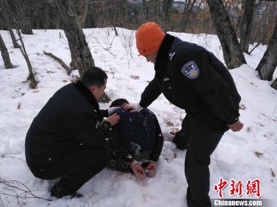 黑龙江辅警查案中被杀害焚尸 嫌犯被抓获 网友提供 摄