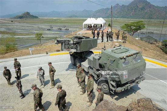 菲总统称要搁置南海仲裁 威胁废除菲美军事协定