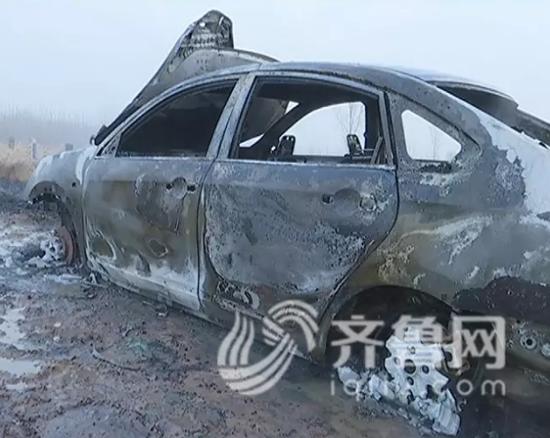 李先生家被烧的汽车