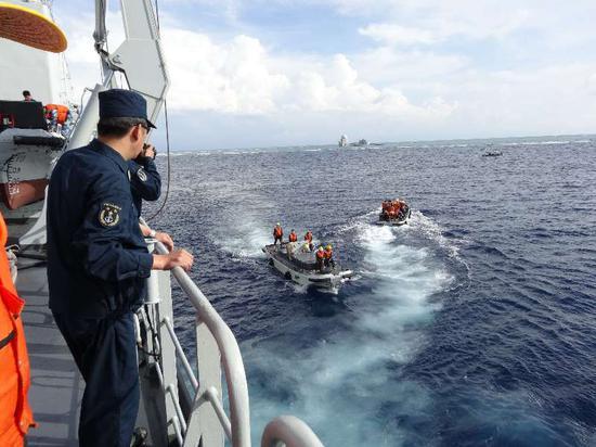 南沙岛礁补给。