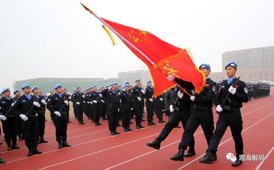 (常备维和警队挂牌仪式在在山东东营举行)