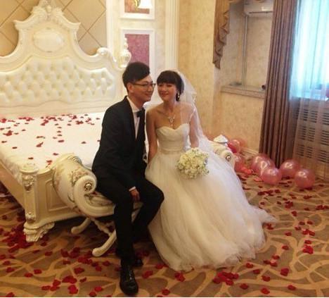 21岁大学生娶了同学妈妈 大学女同学的妈妈