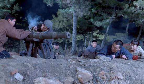 土炮发挥了巨大的威力,把鬼子纷纷炸翻。