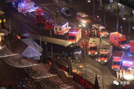 2017年1月1日凌晨,土耳其伊斯坦布尔一家夜总会发生枪击事件,造成至少35人死亡、40人受伤。