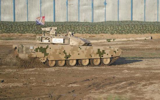 资料图:VT4坦克展示机动能力