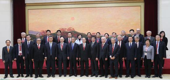 广东团合照:胡春华书记(前排左七)及马兴瑞省长(前排左五)欢迎中总访问团一行 受访人供图