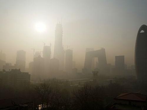 1月3日,北京持续重度雾霾天气。 新华社记者李欣摄