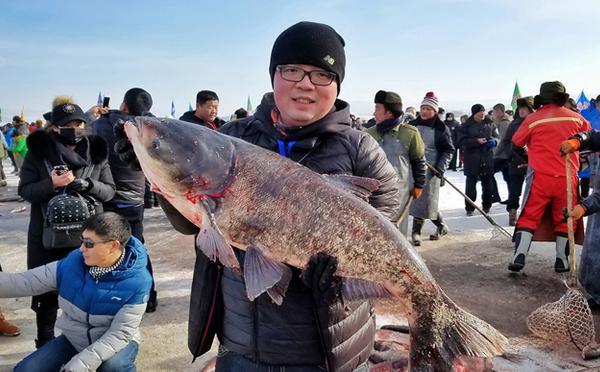 年年有余:黑龙江镜泊湖冬季捕捞创纪录
