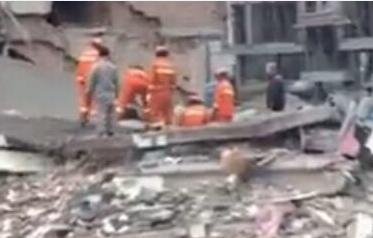 实拍:温州五层民房倒塌救援现场