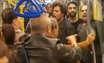 现场:3印度男香港地铁打人 遭8港人狂殴