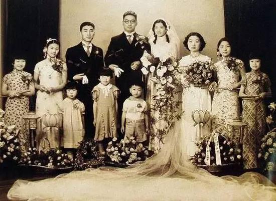 黄慕兰和陈志皋的结婚照。图片来自网络。