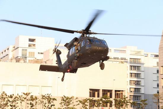 台军直升机演练帮助领导人紧急撤离