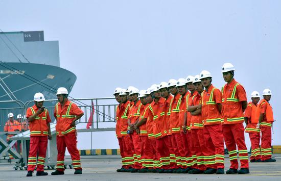 天津港。摄影/章轲