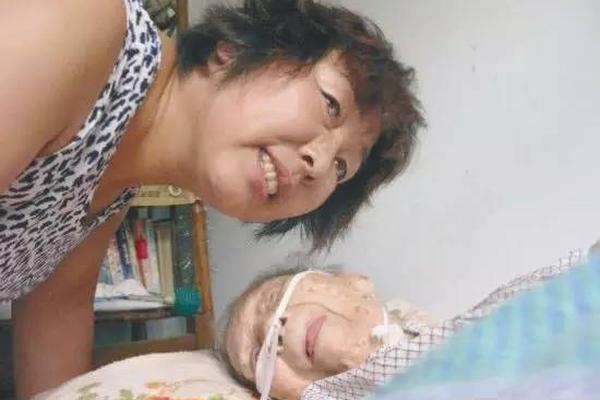 三代人接力29载 赡养他们的保姆至108岁去世