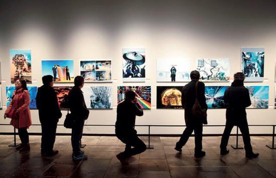 """""""中国梦·劳动美""""第三届全国职工摄影书画展。(才扬摄/本刊)"""