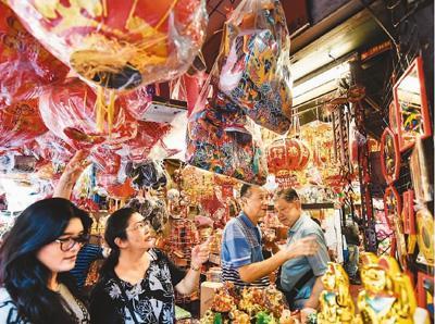 泰国在春节出境游市场拔得头筹,日本热度升温。图为曼谷街头年味浓浓