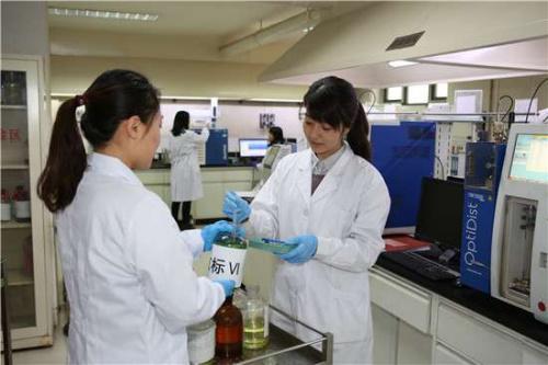 中国石化北京石油严格检验,确保供应合格油品。(高君 摄)来源:中石化供图