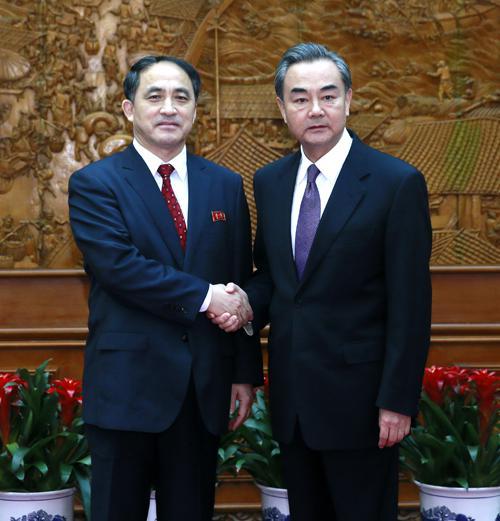 王毅和李吉成