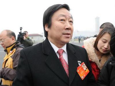 潘庆林:应给予独生子女带薪休假看望父母