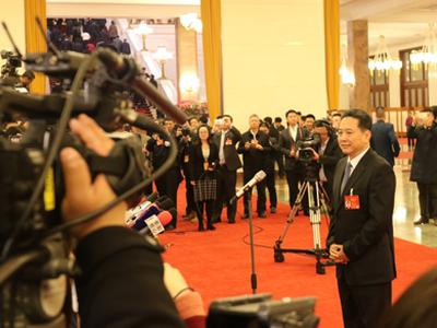 交通部部长李小鹏:积极鼓励和支持共享单车