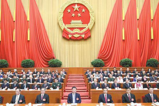 5日,第十二届全国人民代表大会第五次会议在北京人民大会堂开幕。这是习近平、李克强、俞正声、刘云山、王岐山、张高丽等在主席台就座。