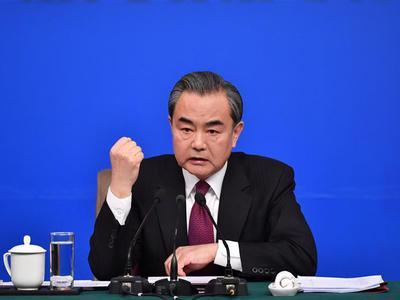 王毅谈萨德部署:不要再一意孤行 损人又害己
