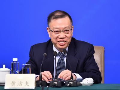 黄洁夫:中国老龄化特点是未富先老
