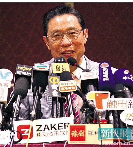 全国人大代表、中国工程院院士钟南山在两会中答记者问。 新快报记者 祝贺/摄