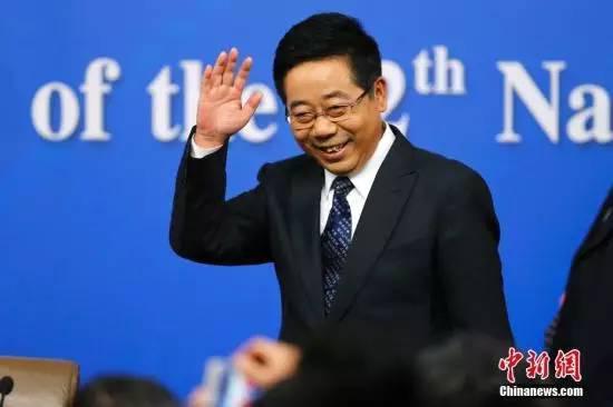 △教育部部长陈宝生在记者会上