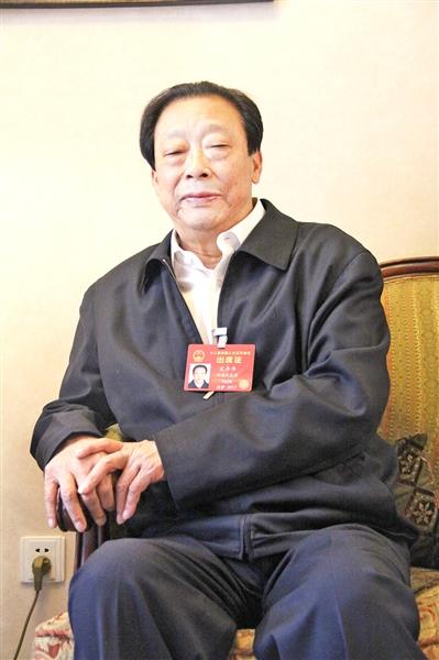 全国人大代表、河南省郑州市金水区东风路街道办事处宋砦村党总支书记宋丰年